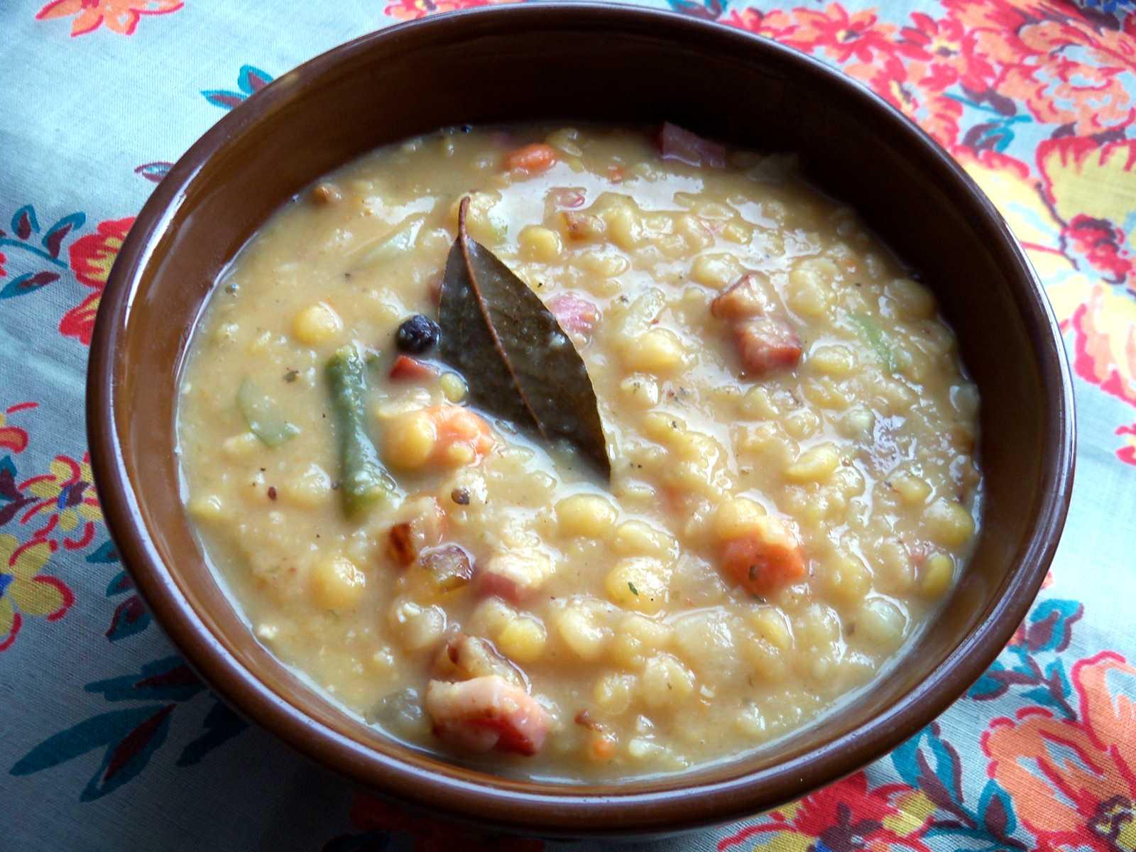 Grochówka —zupa grochowa