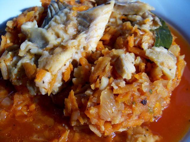 Ryba pogrecku - dorsz lub czerniak zwarzywami