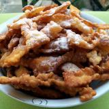 Faworki czyli chrust - smażone ciasteczka