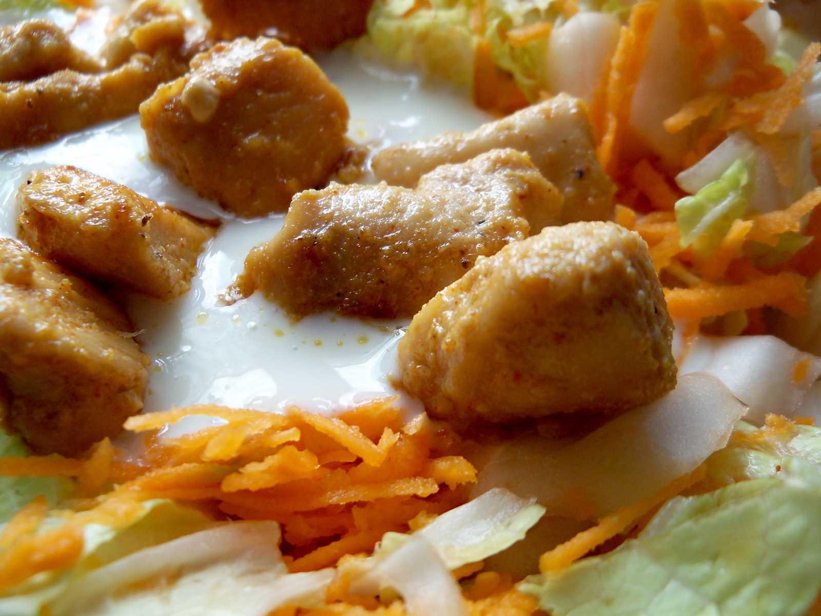 Kurczak wsosie czosnkowym nakapuście pekińskiej