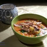 Miesna zupa pomidorowa z kluskami lanymi i warzywami